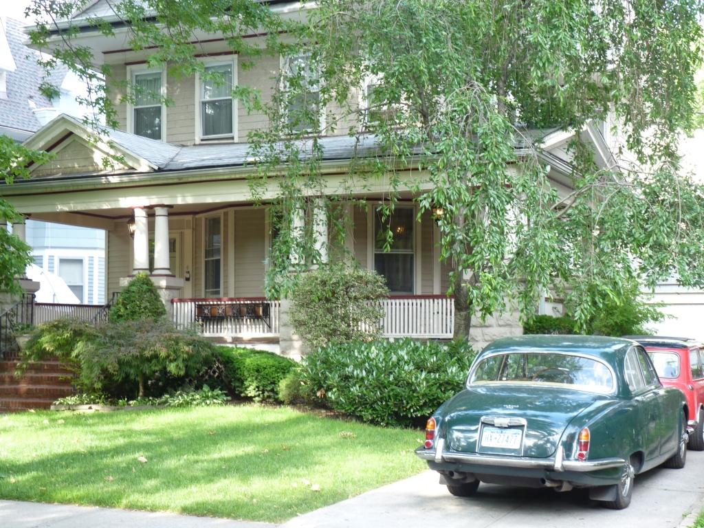 Pretty Home 1
