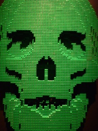 Skull by Nathan Sawaya done in Legos