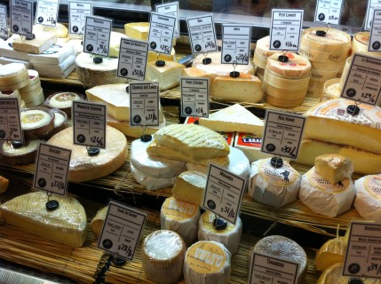 Beautiful Cheese at Le District